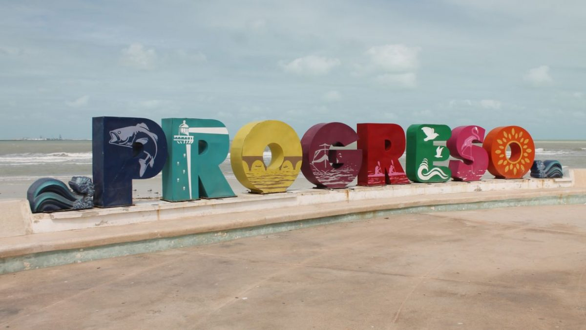 Puerto Progreso is the favorite beach of the Yucatecos